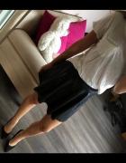 Czarna skórzana rozkloszowana spódnica BERSHKA XS...