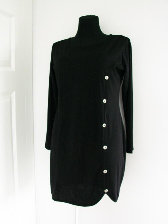 Lekka asymetryczna czarna sukienka tunika