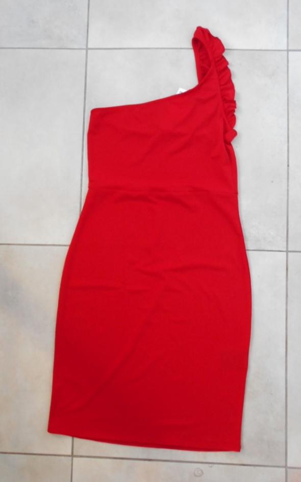 HM nowa czerwona sukienka bodycon asymetryczna falbanka na jedn...