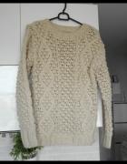 Clockhouse CA kremowy sweter ciepły warkocze...