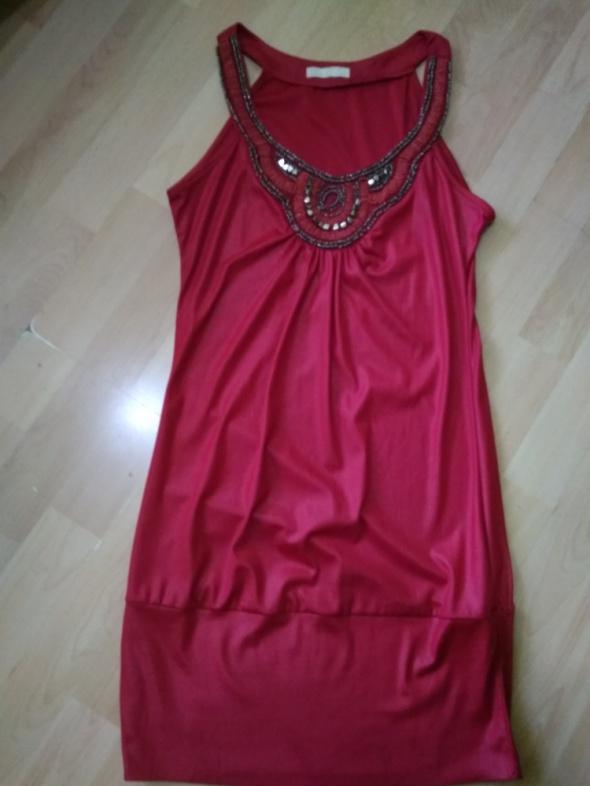 Czerwona sukienka tunika na Sylwestra imprezę