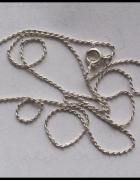 Łańcuszek koloru srebrnego 50 cm...