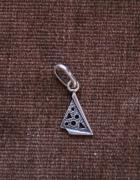 Śliczny srebrny wisiorek 925...