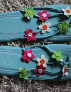japonki sandały klapki niebieskie kolorowe w kwiatki kwiaty...