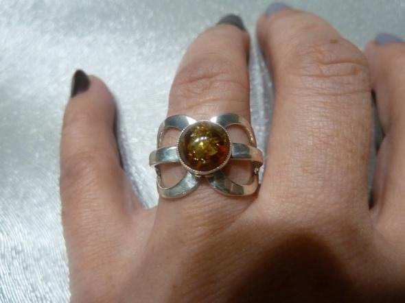 pierścionek kokartka bursztynek próba 3