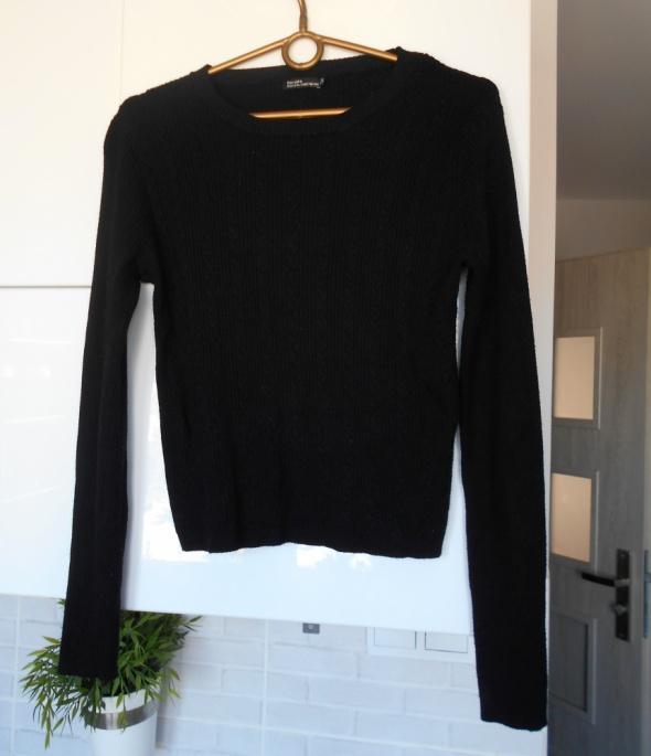 Bershka czarny sweterek dopasowany knit...
