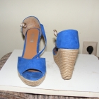 Niebieskie sandałki espadryle koturn