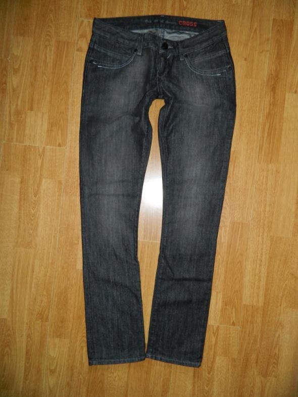 CROSS Isidora czarne spodnie jeans roz W29L34