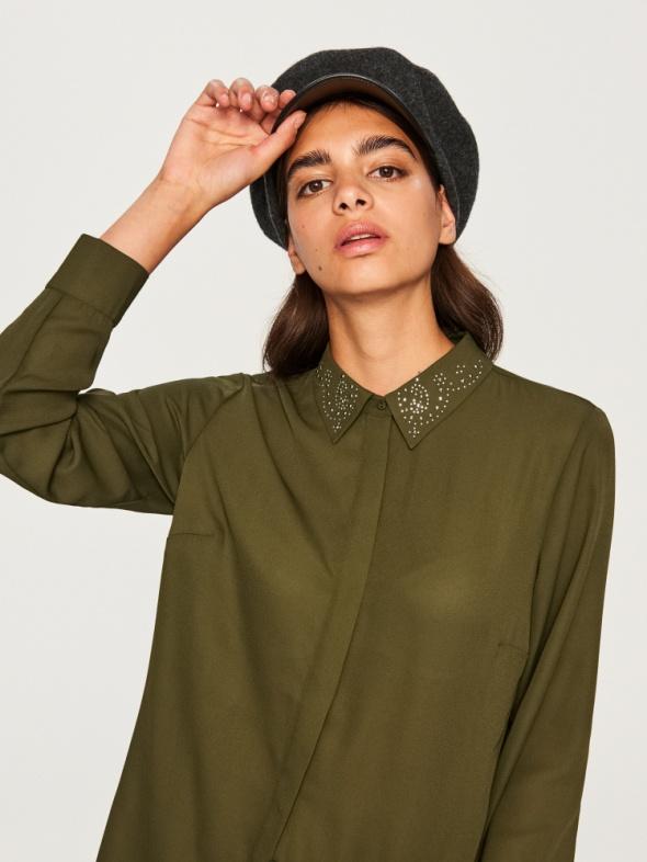 Koszula reserved z ozdobnym kołnierzem khaki
