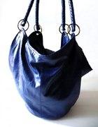 Granatowa skórzana torba worek Troll mieszcząca A4