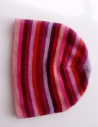 Kolorowa czapka zimowa w paseczki...