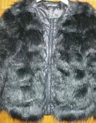 Czarne futerko wykończone skórą