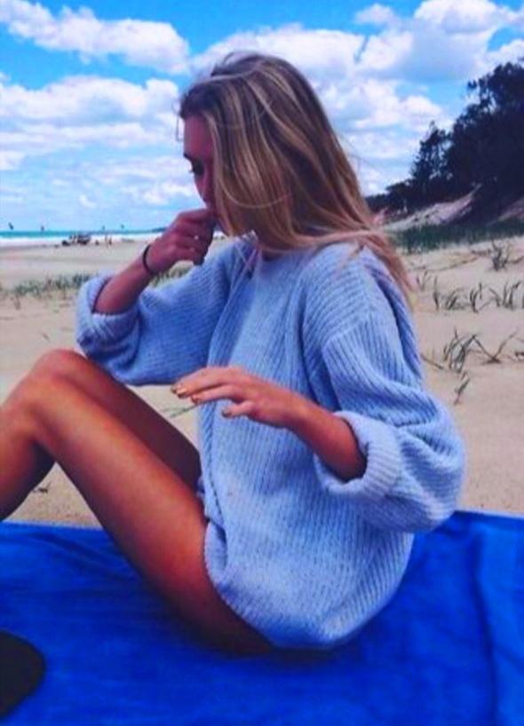 GLAMOROUS ASOS lużny niebieski sweter oversize