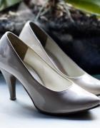 Buty szpilki lakierowane Skorpio beżowe r37