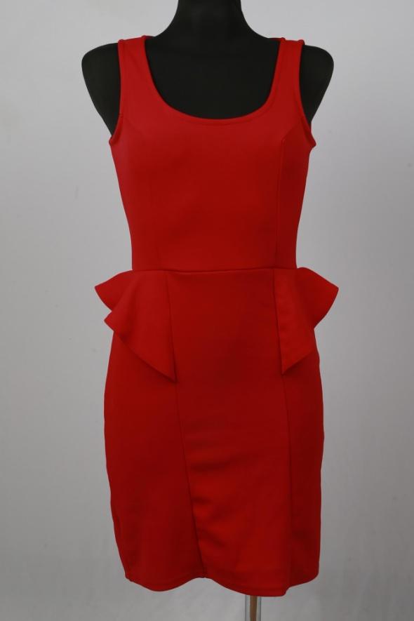 Suknie i sukienki Sukienka Boohoo z baskinką rozmiar S
