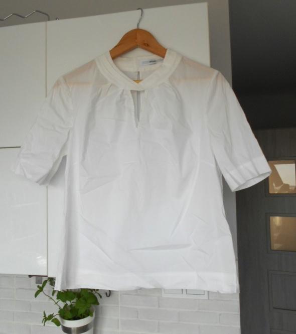 John Lewis biała bluzka klasyka minimalizm elegancka