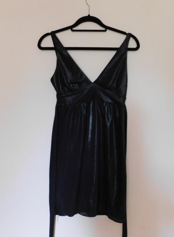 Suknie i sukienki River Island czarna secy sukienka 36