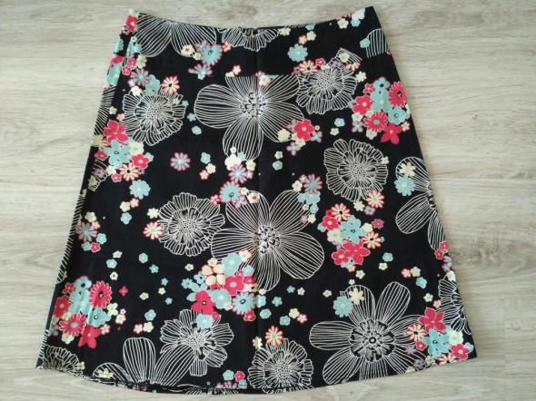 Spódnice czarna spódnica kwiatki 40