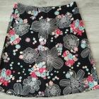 czarna spódnica kwiatki 40
