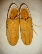 Zamszowe buty Ecco...