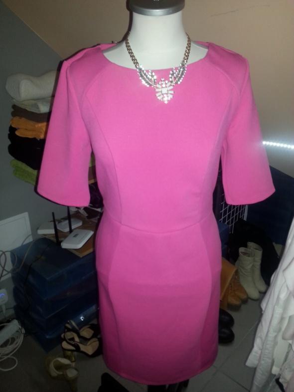 Suknie i sukienki Piękna mocno różowa sukienka