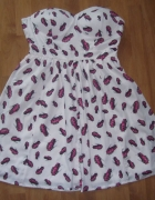 Śliczna rozkloszowana sukienka w samochodziki M L...