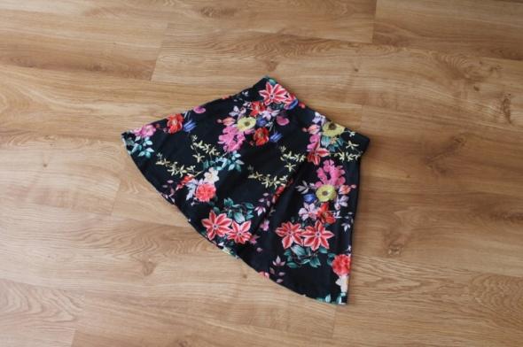 Spódnica kwiaty NOWA S 36 CA