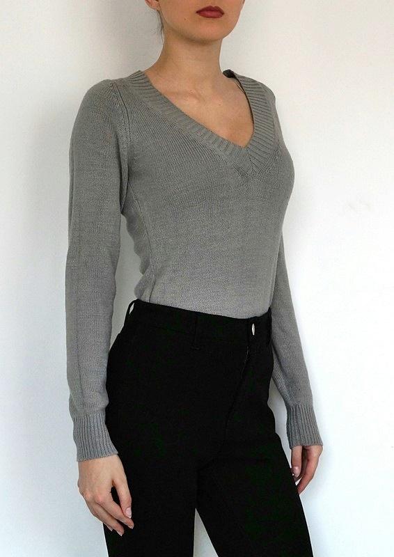 Terranova Sweter Sweterek Szary Popielaty Dekolt V Serek Klasyczny Basic Casual Minimalizm Retro M