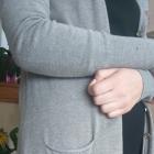 Brązowy sweterek na guziczki