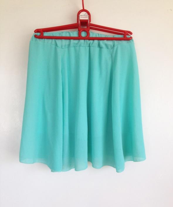 Miętowa mini spódnica rozkloszowana elastyczna gumka w pasie XS...