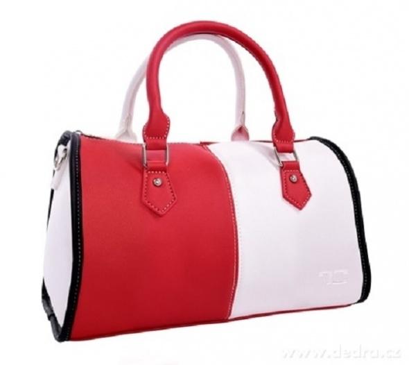 Elegancka czerwona torebka...