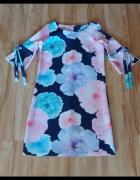 Sukienka w kwiaty 38...