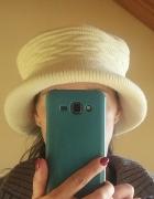 Elegancki kapelusik ze splotami...