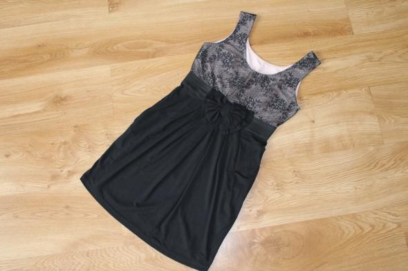 Sukienka czarna Orsay