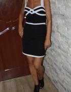 Czarna biała sukienka wstawki S M