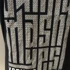 Czarna koszulka z białym motywem Paris