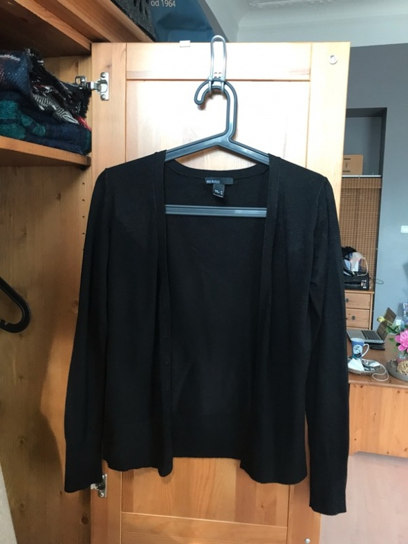 Czarny sweter narzutka Mango M 38