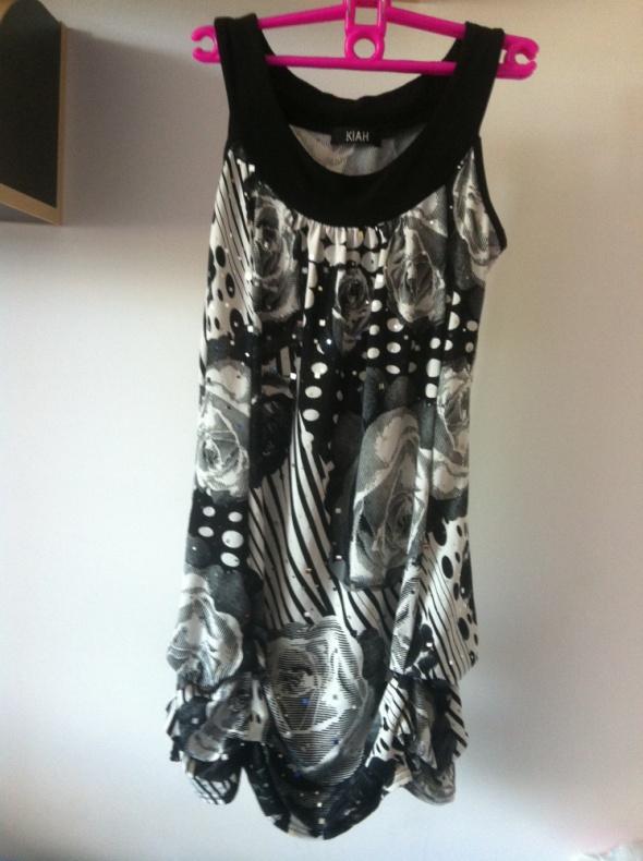 Suknie i sukienki Sukienka mini tunika wzory czarno biała XS s 34 36