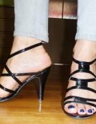 Sandałki na obcasie czarne lakierowane kobiece 37...