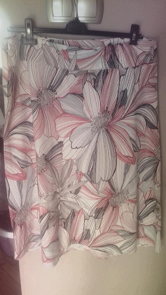 spódnica w kwiaty rozmiar 20