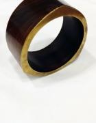 brązowa bransoletka ze złotym wykończeniem
