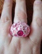 rózowy pierścionek...