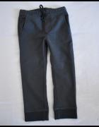 Spodnie chłopięce na 6 do 7 lat rozmiar 120 ciemno szare...