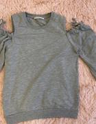Bluza z odkrytymi ramionami...