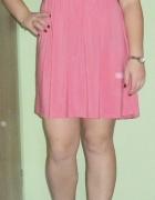 Sukienka 4042 różowa rozkloszowana ozdobna gipiura Bon Prix...