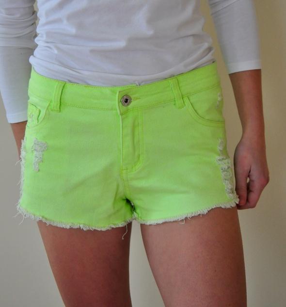 Neonowe limonkowe szorty