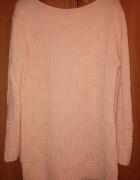 brzoskwiniowy sweter...