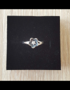 Nowy srebrny pierścionek srebro 925 kwiat lilia cyrkonia lotus...