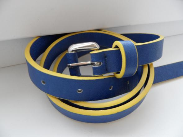 Nowy niebiesko żółty pasek