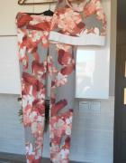 HM komplet sportowy legginsy crop top biustonosz kwiaty wzory...